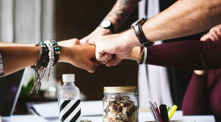 bracelets-collaboration-colleagues-398532 (1)